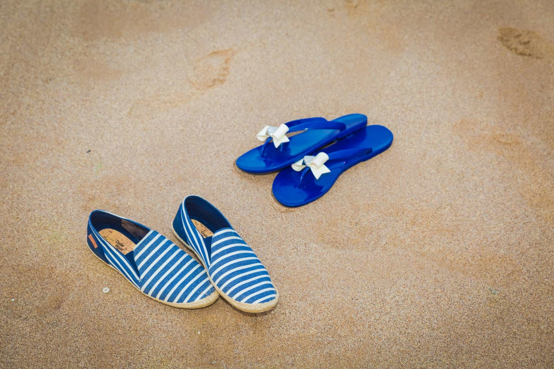 What Are the Best Types Of Shoes To Wear on the Beach?