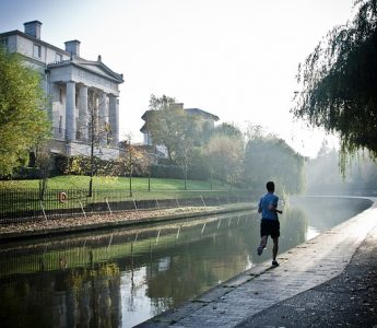 Should I Eat Breakfast Before or After a Morning Run?